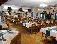 Lakeview Grille at the Potawatomi Inn at Pokagon State Park Photo